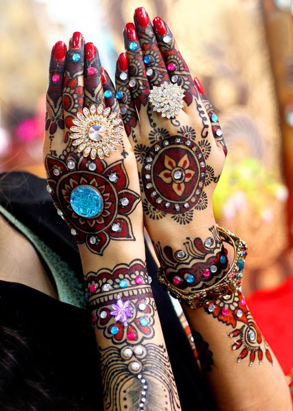 Stone Mehndi Design For Hands