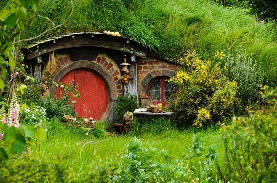 Real Life Hobbit Homes In New Zealand