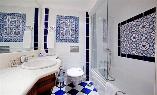 Traditional Bathroom Tiles Ideas