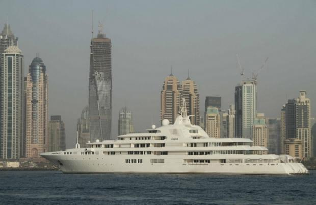 300 Million $ Yatch owned by Dubai's Sheikh Al Maktoum