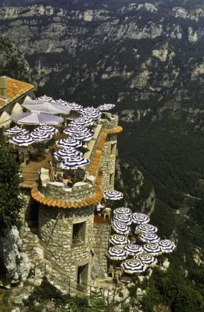 A cliffside cafe in Gourdon, France