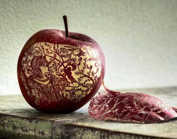 Apple Art..... Very Impressive
