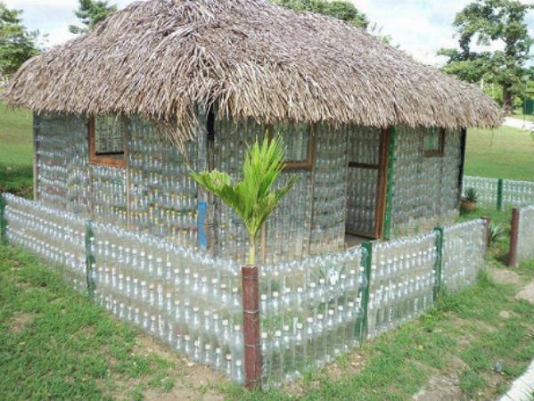 Amazing Waste Plastic Bottles House 1815 - Pic Of The Day 24th March 2014