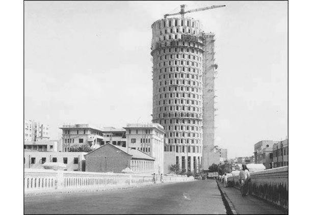 Habib Bank Plaza Karachi under construction 1963