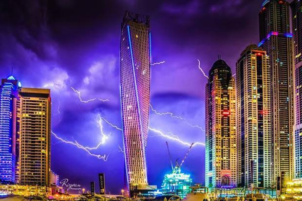 Lighting Storm at the Cayan Tower, Dubai