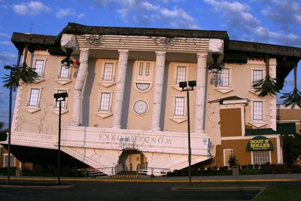 WONDERWORKS ,PIGEON FORGE, Bermuda Triangle