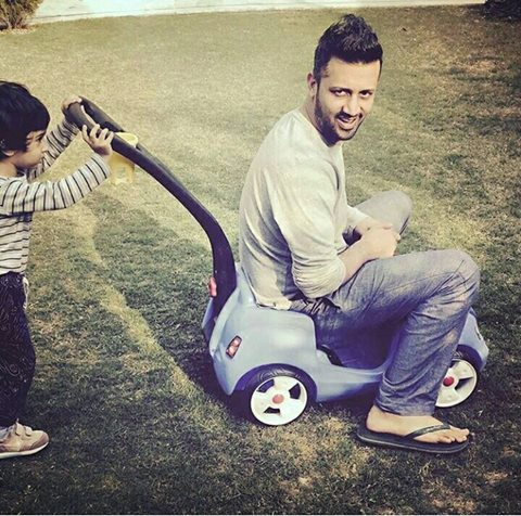 ‎Atif Aslam‬ with his ‪Cute Son‬