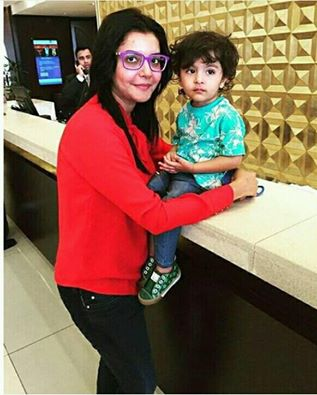 Nida Yasir with her son Balaj Yasir