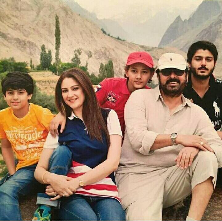 ‎Noman Ejaz‬ With His ‪‎Family‬
