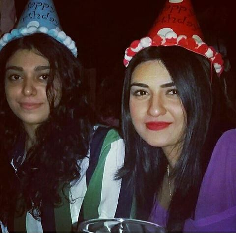 ‎Sara Khan‬ With Her ‪Sister‬ Celebrating Mom Birthday