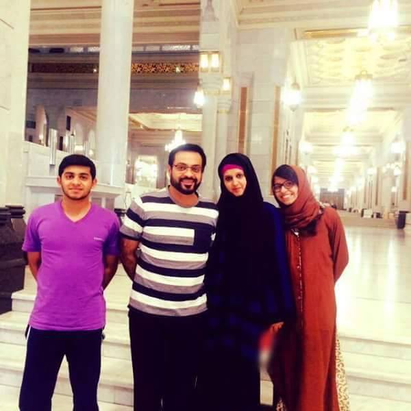 Aamir Liaquat With Family In Makkah