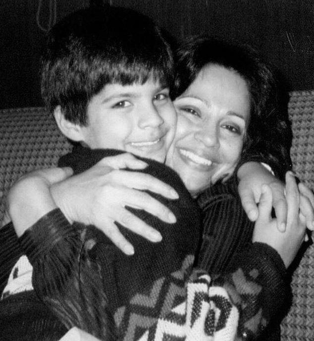 Actor Adnan Malik Childhood Photo With His Mother