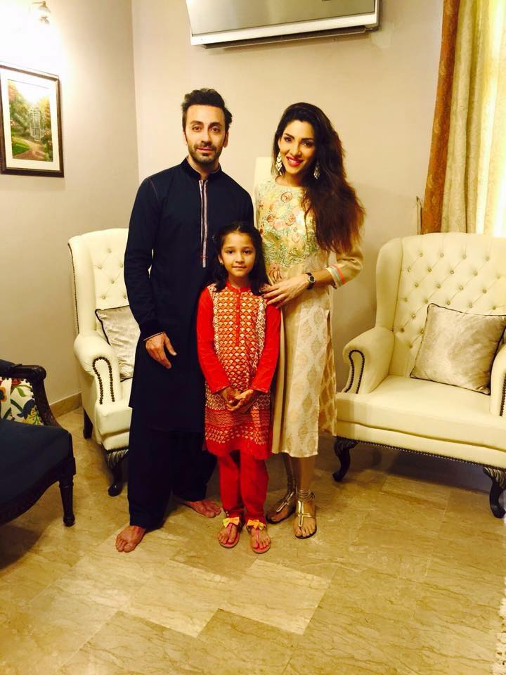 Actress Zhalay With Husband and Daughter on Eid