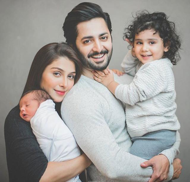 Adorable Family Picture Of Ayeza & Danish With Their Kids