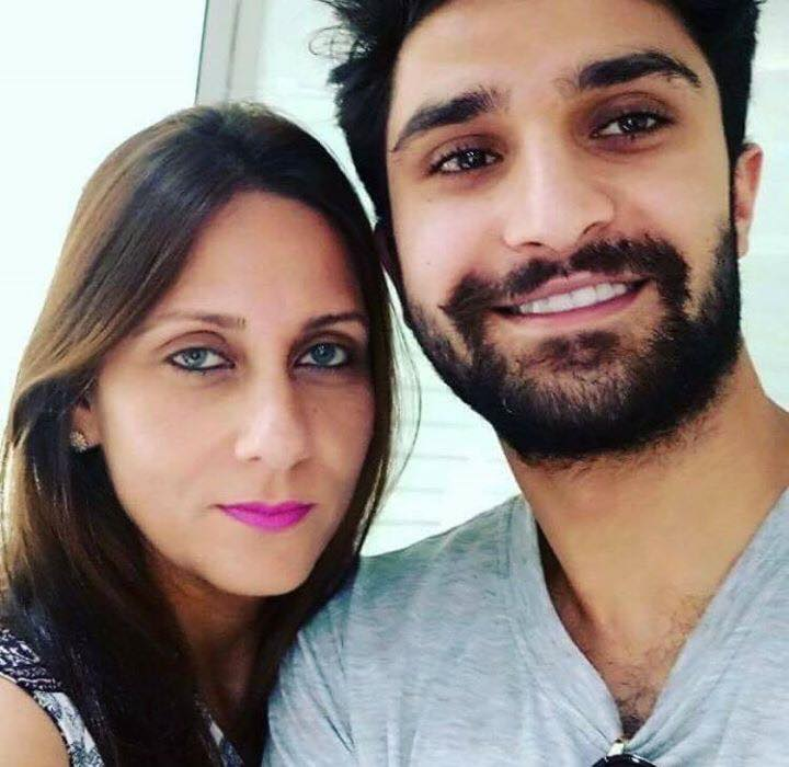Ahad Raza Mir With His Mother