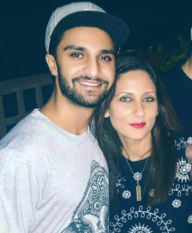 Ahad Raza Mir With His Mother