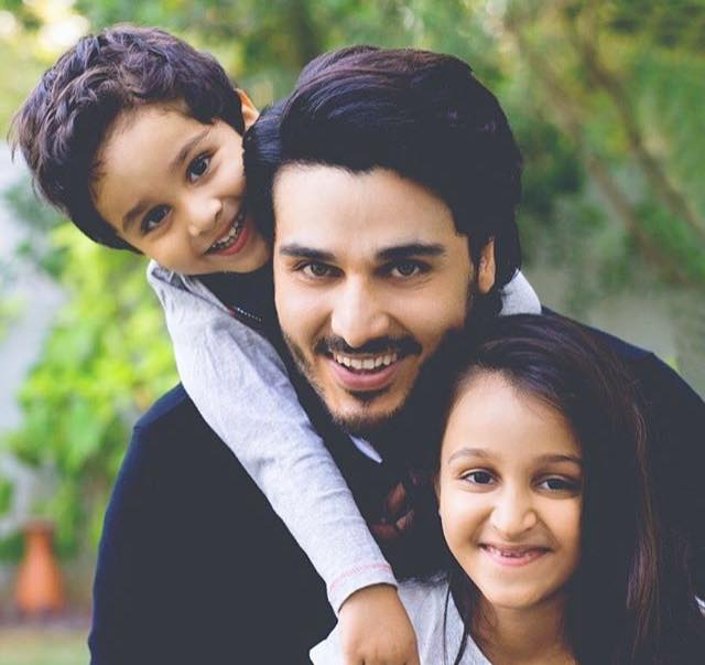 Ahsan Khan With His Kids