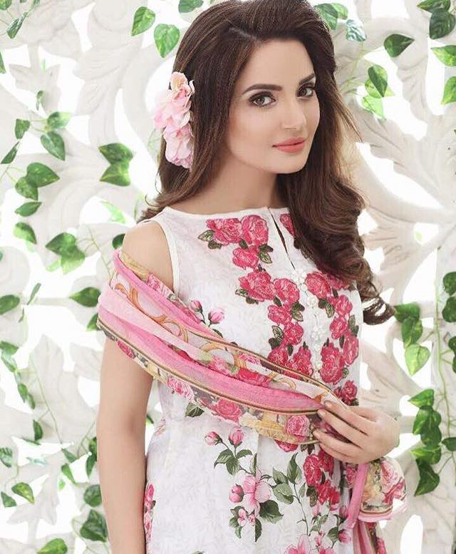 Armeena Khan In Her Latest Photo Shoot