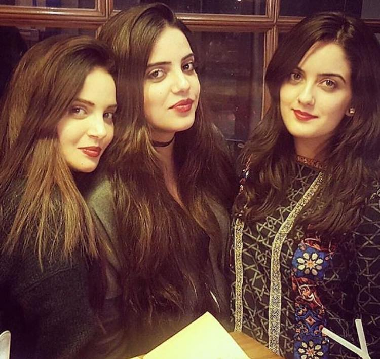 Armeena Rana Khan With Her Siblings