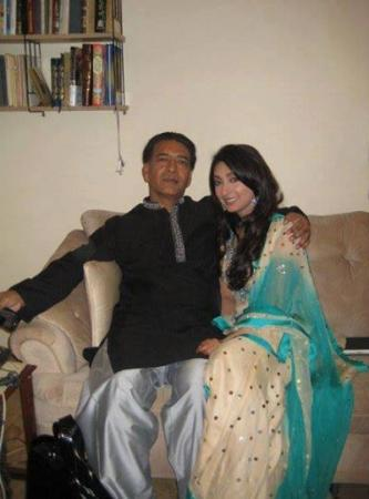Ayesha khan with her Father