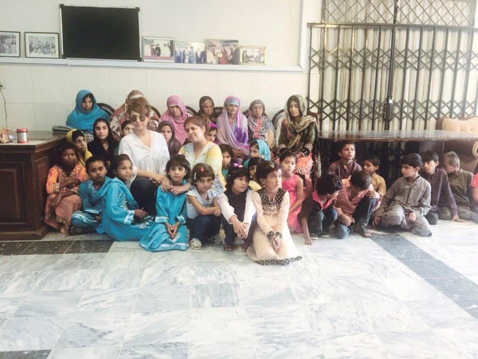 Ayyan Ali Celebrates Birthday With Orphan Kids at Edhi Home