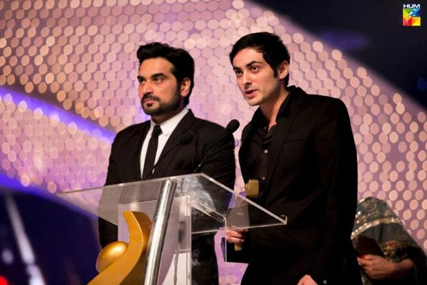 Bilal Lashari & Humayun Saeed were given the awards at Hum TV