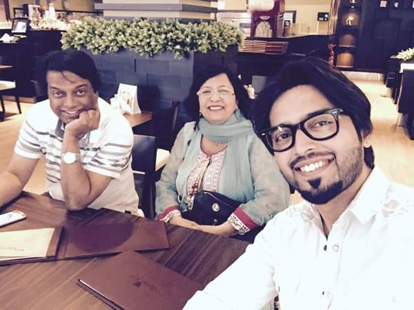Fahad Mustafa With His Family In Doha