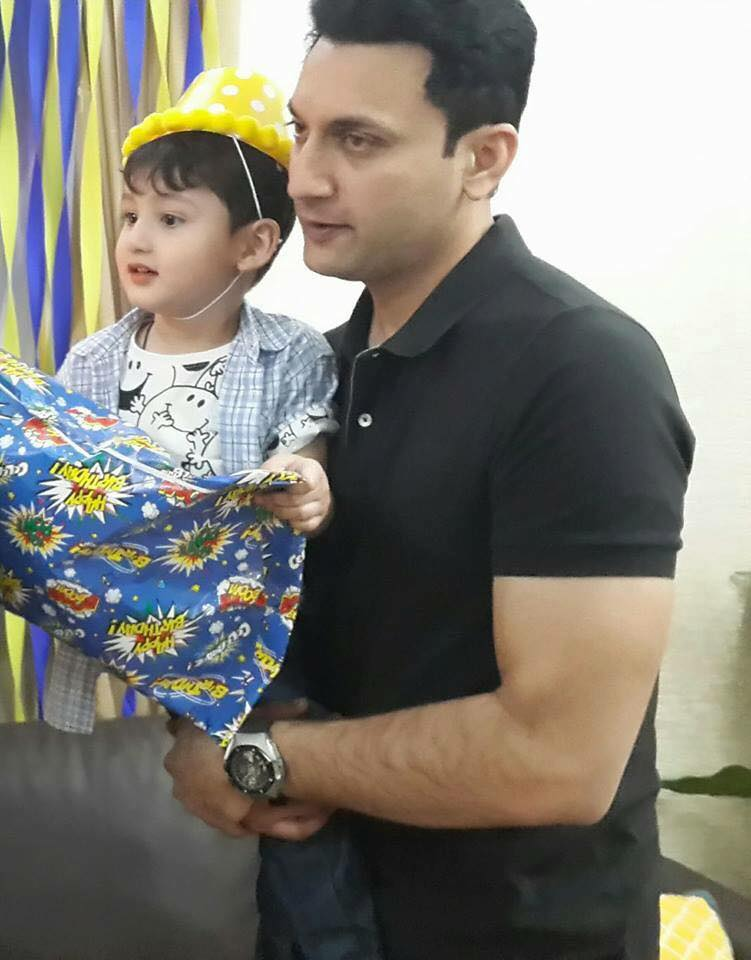 Faiq Khan With His Son