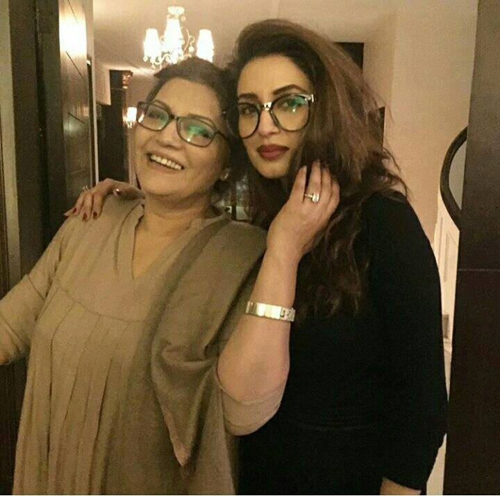 Famous Actress Iman Ali with Her Mother