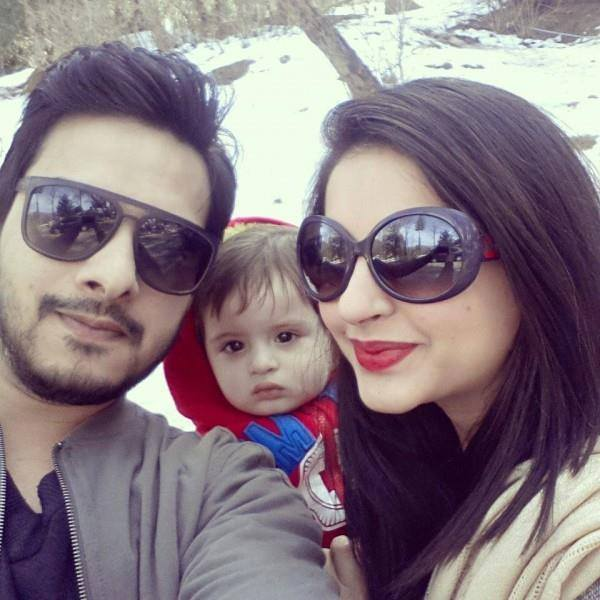 Fatima Effendi and Kanwar Enjoying in ‪Muree‬ with their cute baby