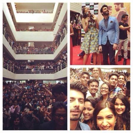 Fawad Afzal And Sonam Kapoor With Huge Crowd In Bangalore