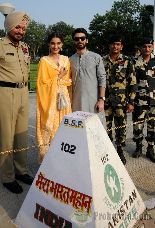 Fawad Khan With Sonam Kapoor At Wagah Border