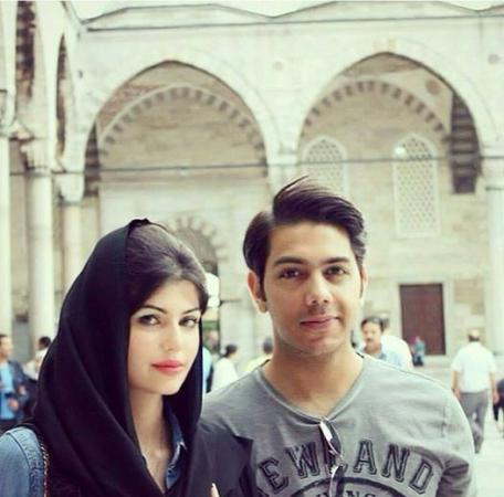 Gohar With Wife At Istanbul