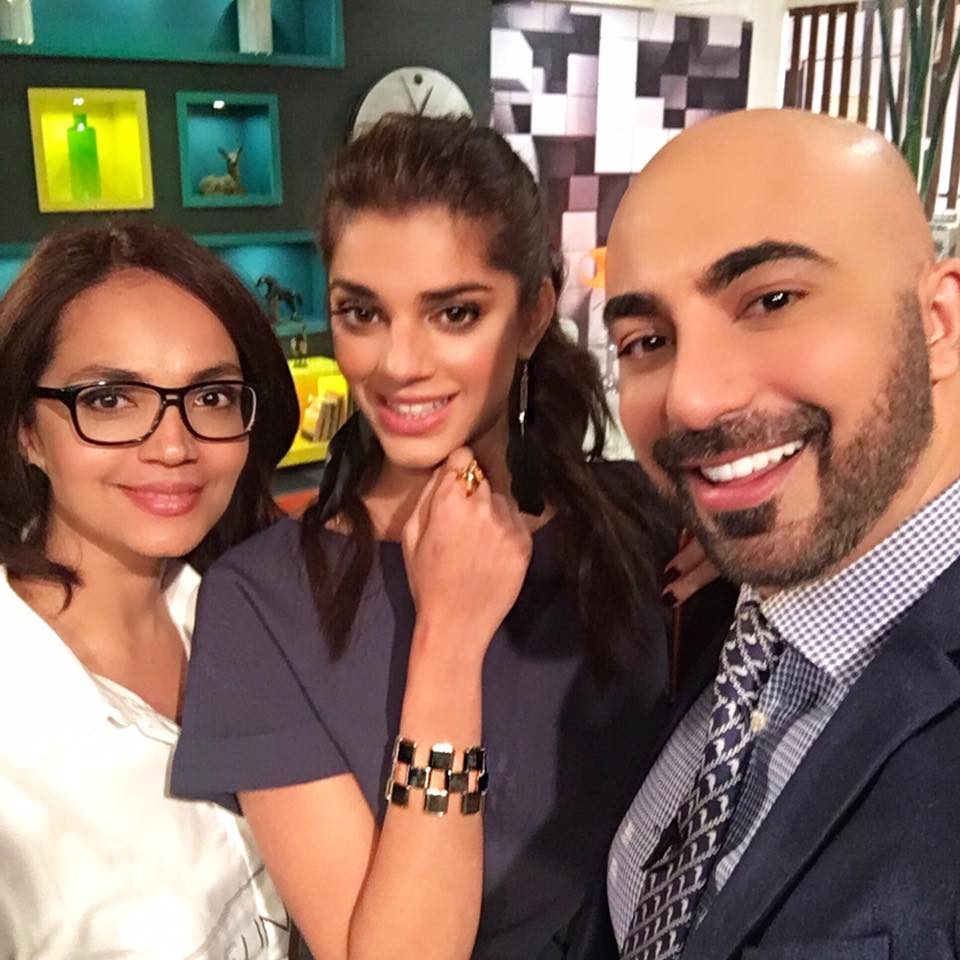HSY With Aamina Sheikh & Sanam Saeed During Shooting