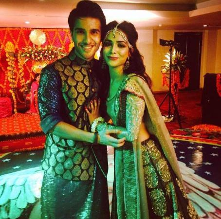 Humaima Malik With Her Brother Vj Feroz