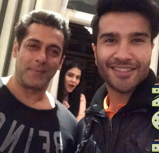 Humaima & Feroze Meet Salman Khan In London