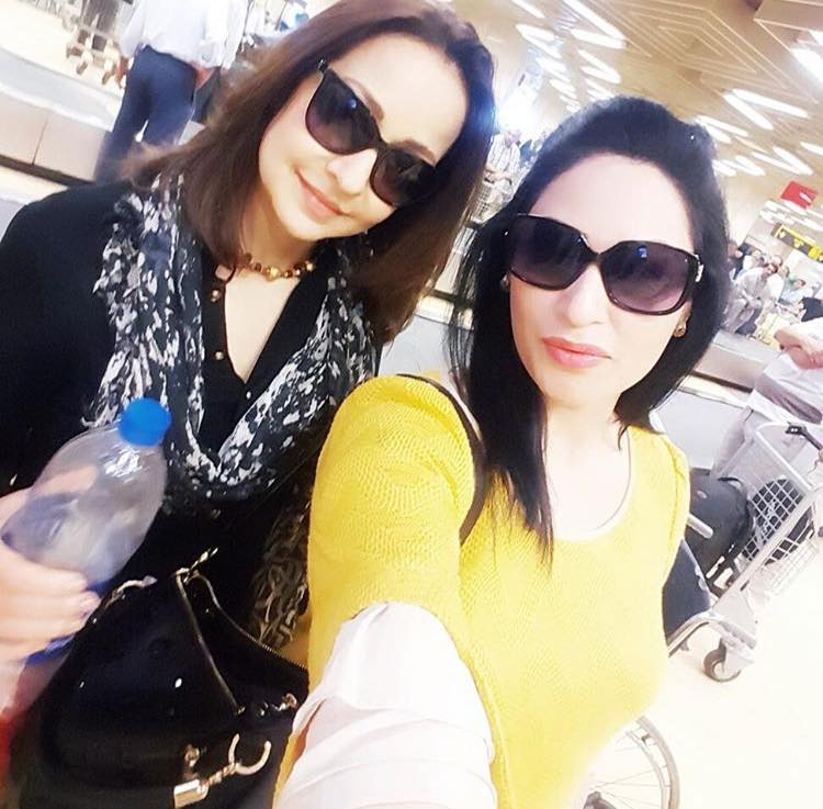 Humaira Arshad With Zeba Bakhtiar At Karachi Airport