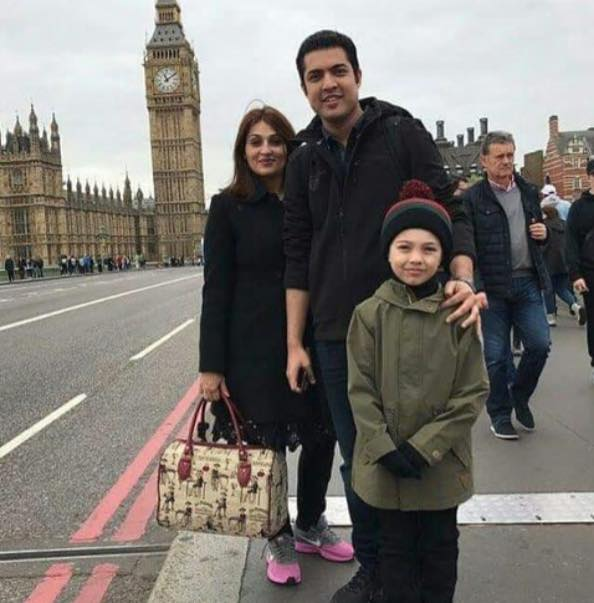 Iqrar Ul Hassan With His Family In London