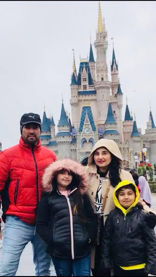 Javeria Saud With Her Family In DisneyLand