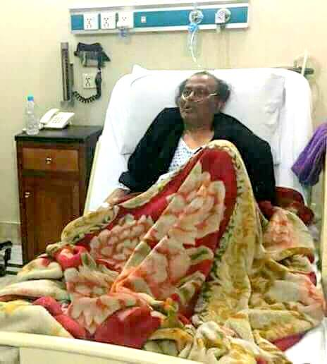 Legendary Stage Artist & Comedian Amanullah Khan Is Hospitalized & Need Your Prayers