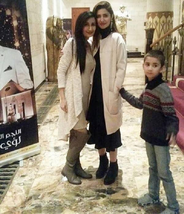 Mahira Khan With Her Son At The Screening Of Raees In Dubai