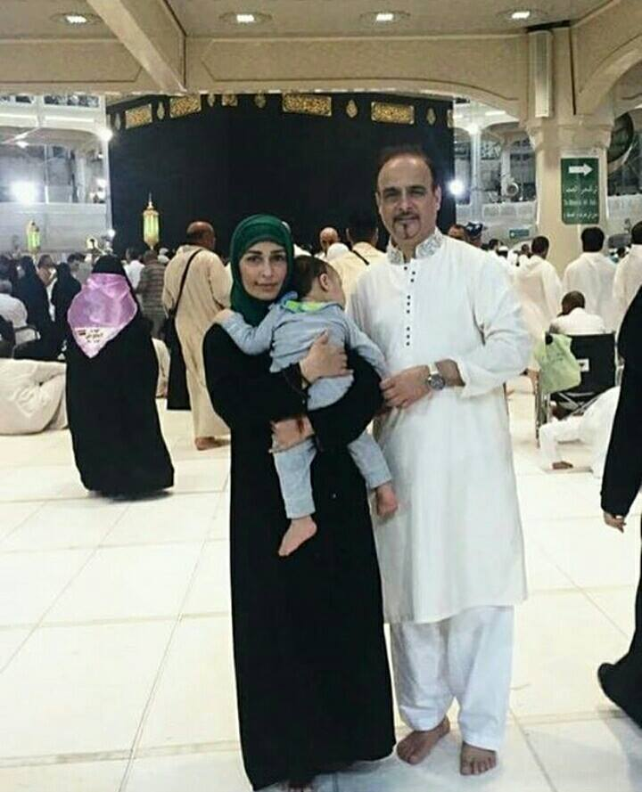 MashaaAllah Reema Khan with her Husband & Son perform Umrah