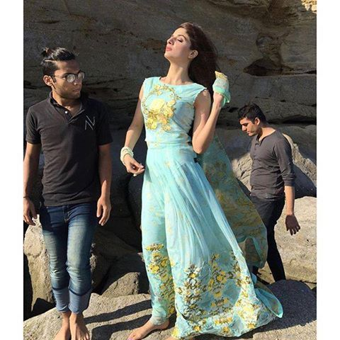Mawra Hocane Behind the scene of an upcoming Photoshoot