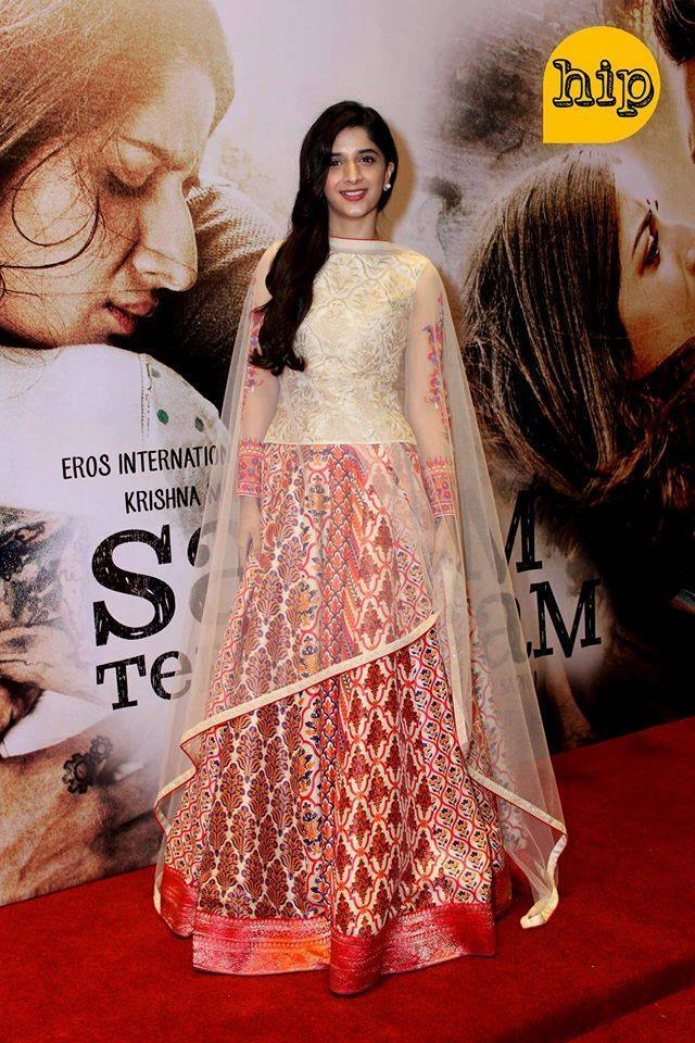Mawra at the premier of her film yesterday in Karachi