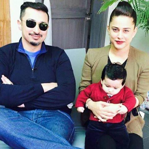 Mehreen Raheel With Her Husband & Son