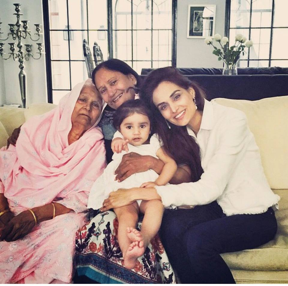 Mehreen Syed With Grand Mother, Mother And Daughter