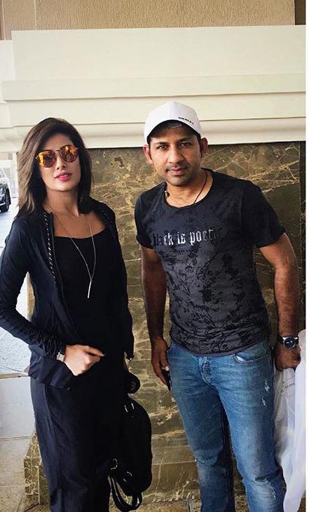 Mehwish Hayat & Sarfraz Ahmed In Dubai