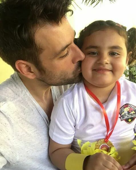 Mikaal Zulifqar With His Daughter