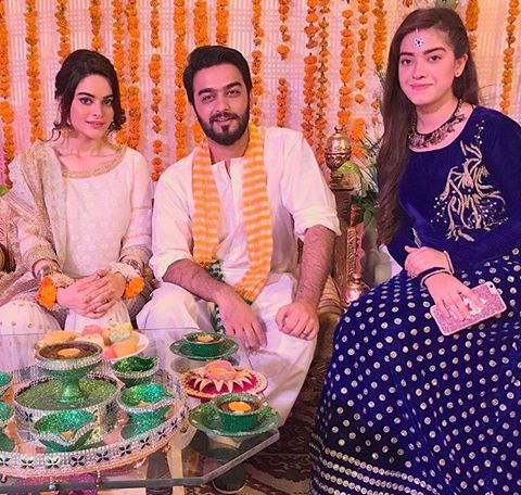 Minal Khan, Ahmed Zeb & Arisha Razi During Shooting