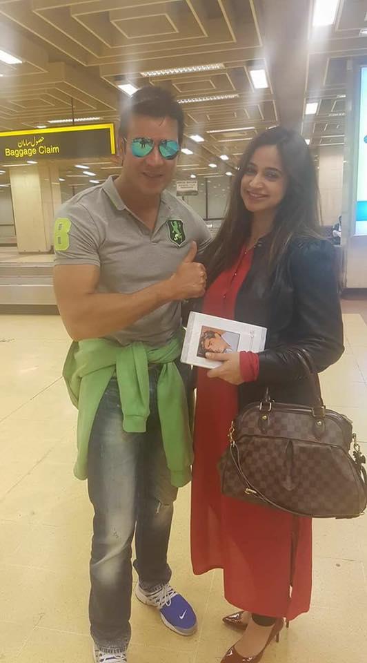 Moammar Rana & Noor Bukhari Spotted At Airport